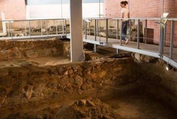 Αρχαιολογικός Χώρος Γρόττας