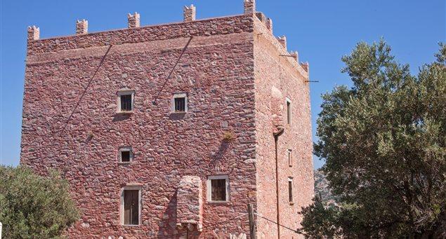 Πύργος Μαρκοπολίτη - Καλαβρού