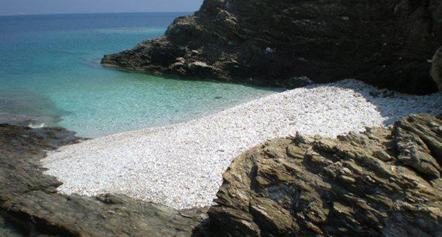 Οι Παραλίες στον Κάβο του Μιχάλη Σχοινούσα