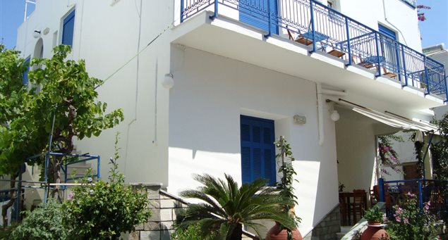Vakhos Island Hotel